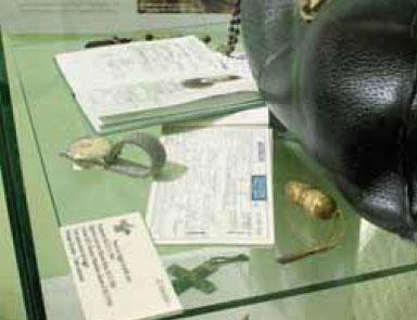 Il passaporto, il biglietto aereo e gli effetti personali della serva di Dio madre Dositea Bottani, generale delle Orsoline, utilizzati nel 1966