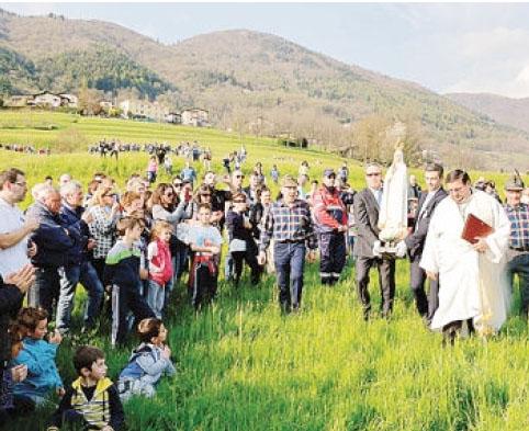 L'arrivo a Barzizza della Madonna pellegrina di Fatima