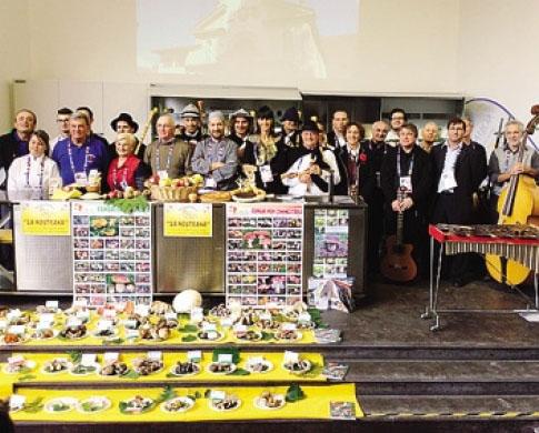 La delegazione bergamasca in trasferta all'Esposizione universale