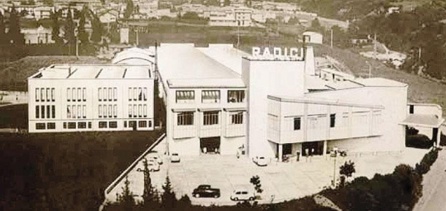 Un'immagine della Manifattura Automatica Radici di Gandino, fiore all'occhiello dell'epopea di Gianni Radici