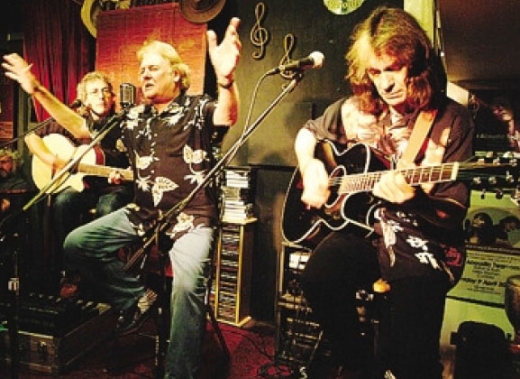 Il trio inglese Acoustic Strawbs il 24 novembre a Gandino