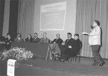 Un'immagine della serata con gli ospiti presenti sul palco