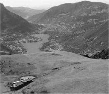 Una bella veduta sul lago d'Iseo e la Val Cavallina dalle pendici del Formico (foto Luca Merisio, da «Orobie»)