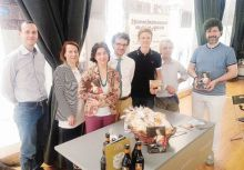 Produttori e promotori del Menù del Palma il Vecchio alla Domus di Bergamo in piazza Dante