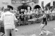 Attilio Testa impegnato nella «Corsa de of» (foto Fronzi)