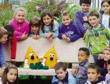 Gli alunni della scuola primaria di Gandino in visita  al parco del mais con Chicco spinato