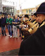 suonatori di baghèt di Casnigo ieri all'Expo di Milano