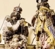Un presepe di area ortodossa di fine '800, con pellicce e preziosi