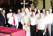 L'arcivescovo Luigi Bonazzi, al centro, ha presieduto la Messa